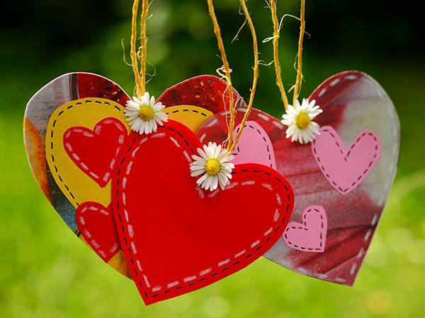 ogni-ospite-al-suo-posto-grazie-ad-un-creativo-tableau-de-mariage