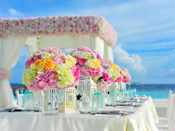 come-arricchire-banchetto-nozze-i-colori-vivaci-ed-allegri-bella-stagione
